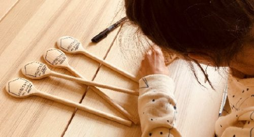 Atelier personnalisation cuilleres en bois habitat des possibles